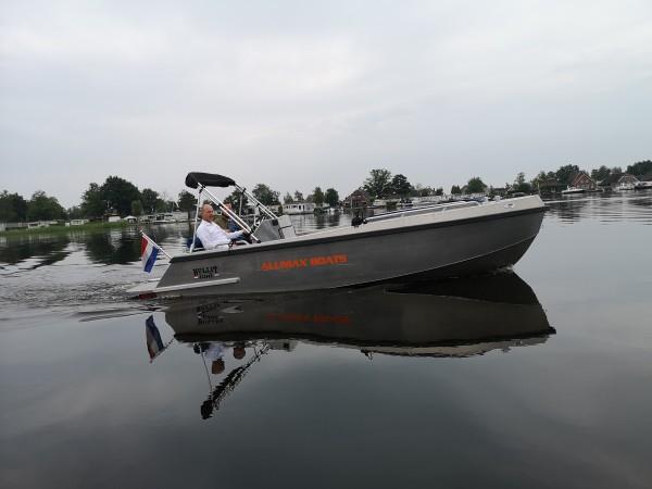 Bullit 600 inboard