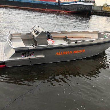 Bullit 540 inboard