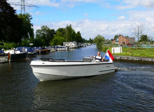 Bullit660-inboard